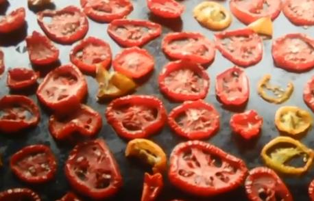 Помидоры вяленые на зиму - Вяленые помидоры на солнце готовятся за день