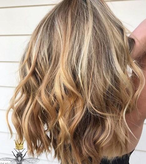 Каскад – идеальная стрижка на средние волосы