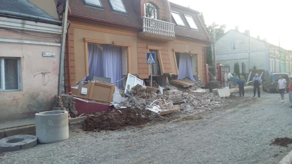 дом, обрушение