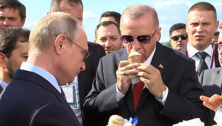 Путин дал полизать Эрдогану российское мороженое, фото-1