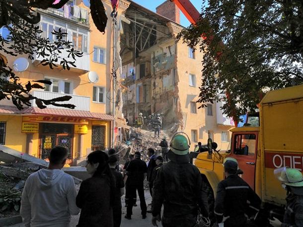 В Дрогобыче несущая стена дома могла разрушиться по нескольким причинам, сообщили местные власти