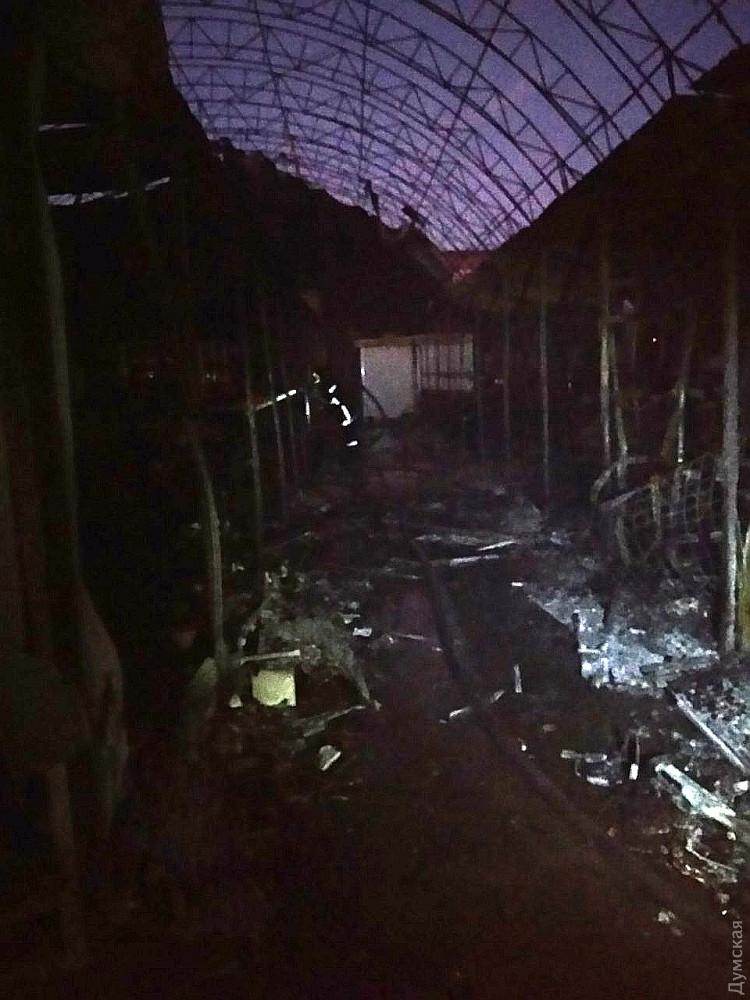 В Одессе сгорел рынок