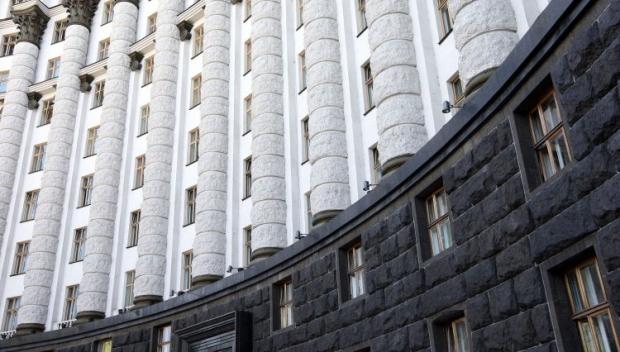 Эксперт сказал, что отставка грозит Денису Малюське и Тимофею Милованову - Новости Украина