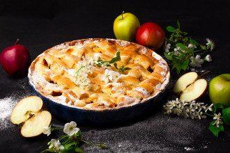 Яблучний Спас - що святити і що печуть - кращий рецепт шарлотки