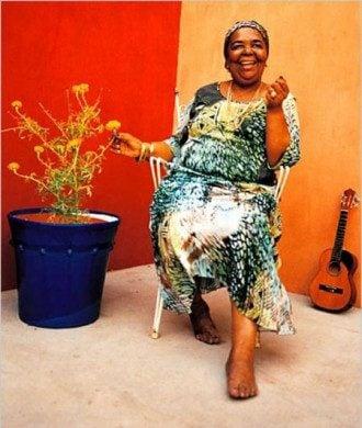 Сезария Эвора – золотая песня и интересные факты биографии