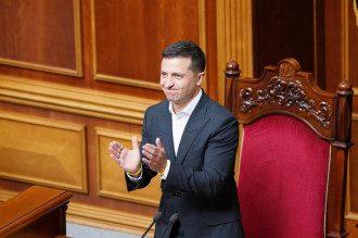 Закон о импичменте принят, но применить его к Зеленскому будет невозможно / Reuters