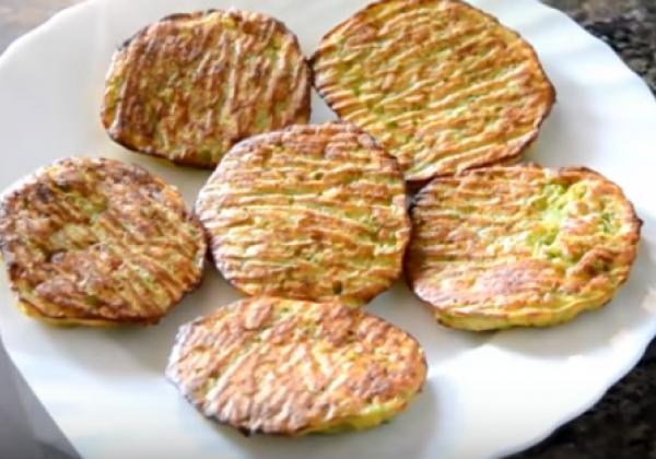 Оладьи из кабачков в духовке готовятся менее 15 минут