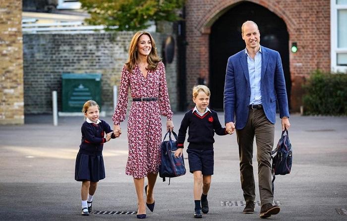 Кейт Миддлтон отвела дочь Шарлотту в школу