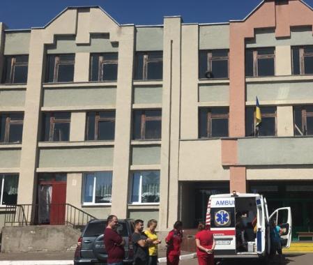В школе Черкасс случилось ЧП, в больницу попали 19 детей - Черкассы новости
