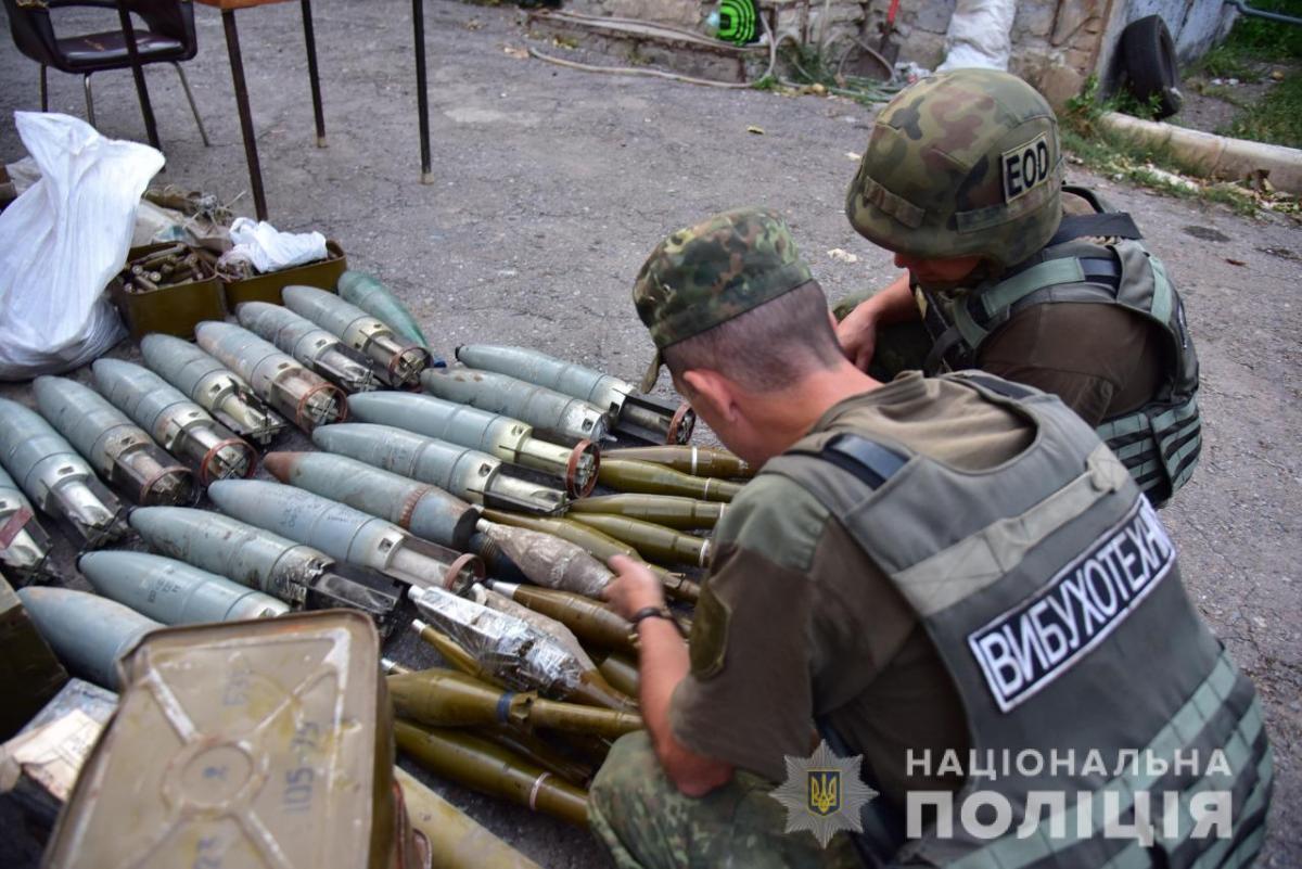 Добровольцы сдали оружие