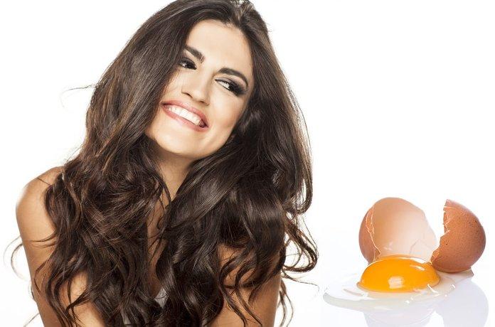 Маска для волос из яйца творит чудеса