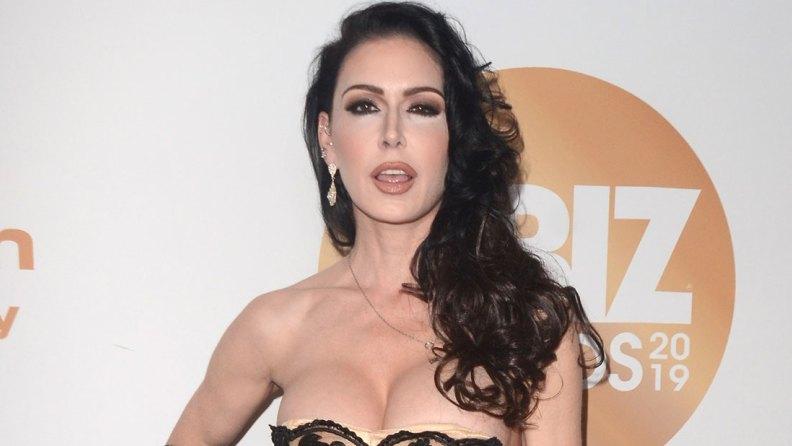 Порнозвезда Джессика Джеймс умерла в 43 года