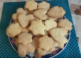 Нежное песочное печенье на маргарине быстро и просто готовится