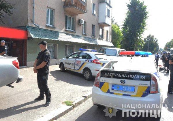 В Житомире напали на копов-инкассаторов, пострадал один правоохранитель