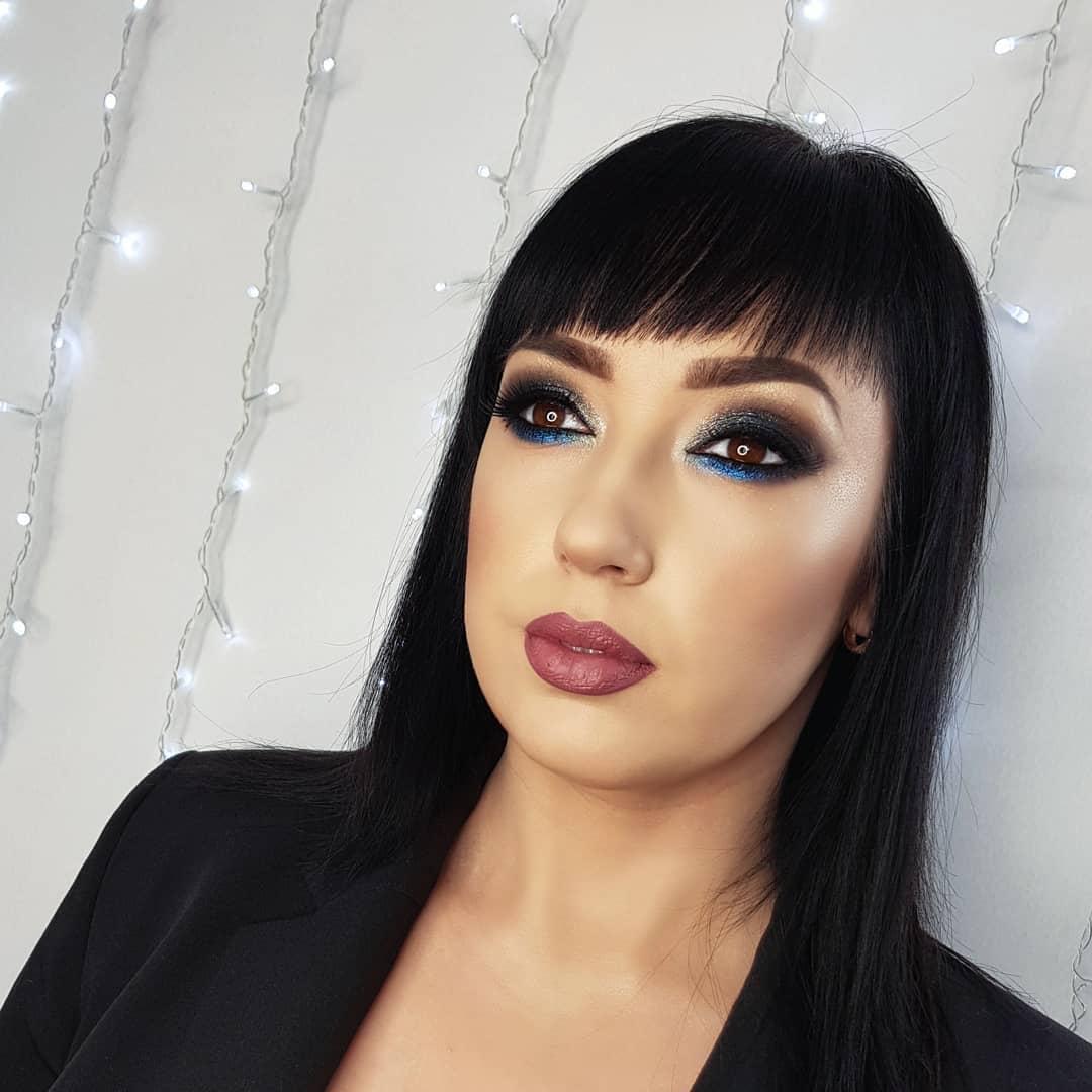 Брюнеткам идут черный и темно-синий цвета / instagram.com/annakulik_makeup