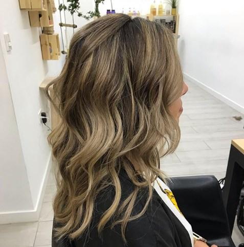 Карамельный блонд - самый модный цвет волос 2019