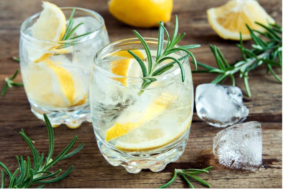 Ви завжди повинні пити воду, коли хочете пити, і пити достатньо, щоб втамувати спрагу/Pixabay