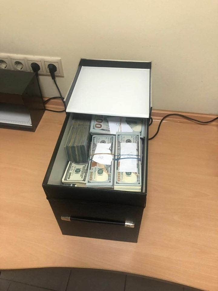 У врача нашли около миллиона долларов / facebook.com/ Надежда Максимец