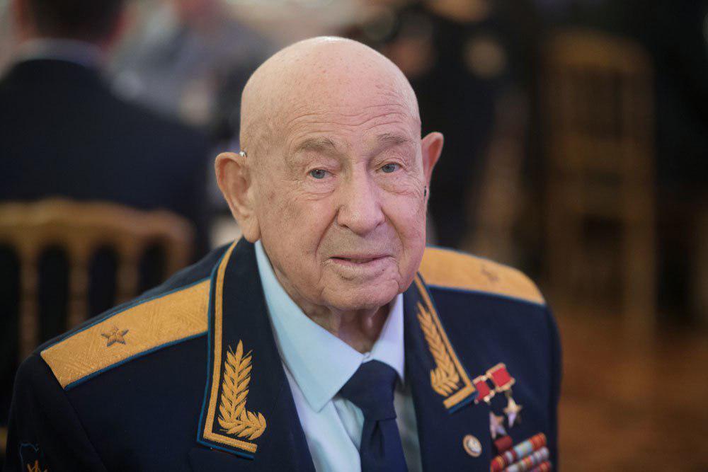 Алексей Леонов умер