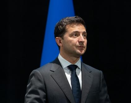 Большинство опрошенных полагают, что Владимир Зеленский защищает общенациональные интересы, узнали социологи - Новости сегодня Зеленский