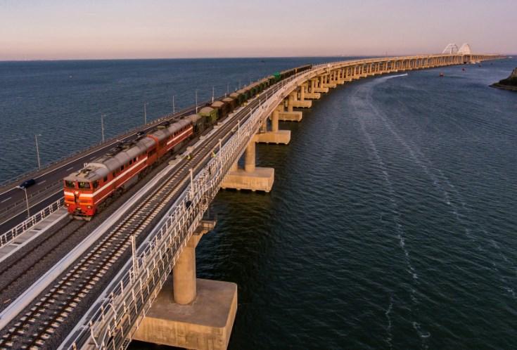 Крымский мост вскоре развалится, убежден эксперт