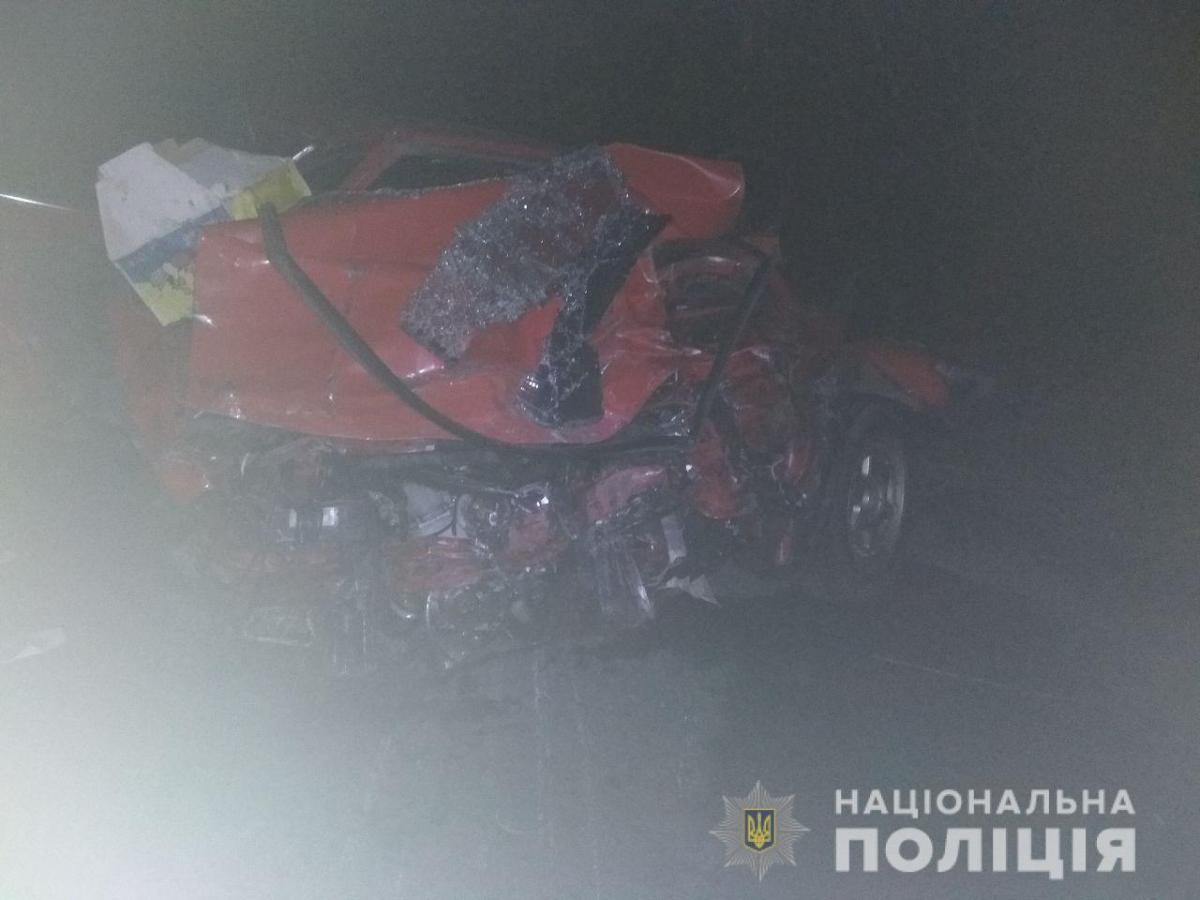 На Николаевщине в результате столкновения легковушек погибли четыре человека