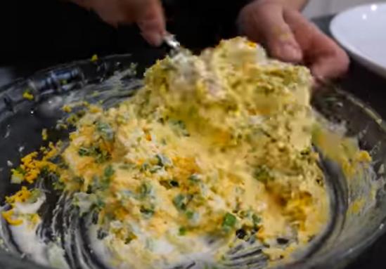 Салат мимоза по-новому легко приготовить дома