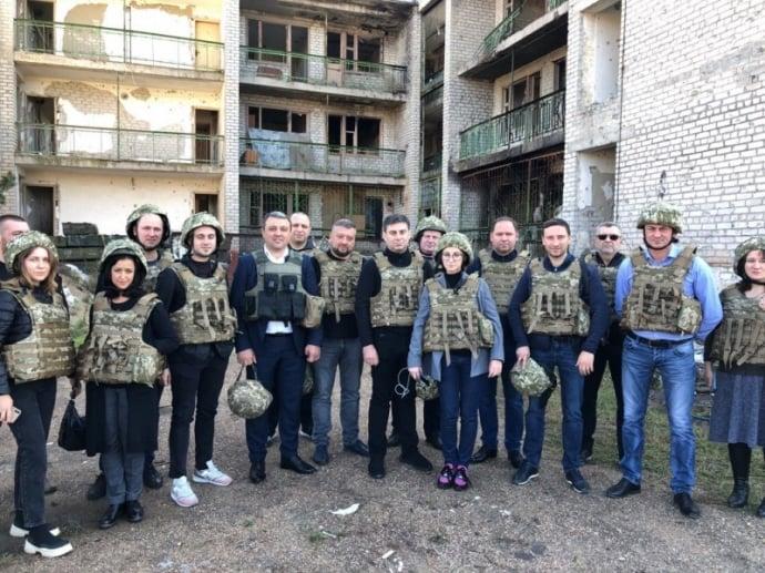 Депутаты на 5 дней уехали на Донбасс