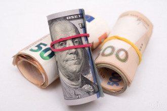 Новий стрибок курсу долара: у Зеленського озвучили тривожний прогноз