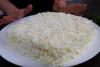 Салат мимоза пошагово очень легко готовится - Салат мимоза состав