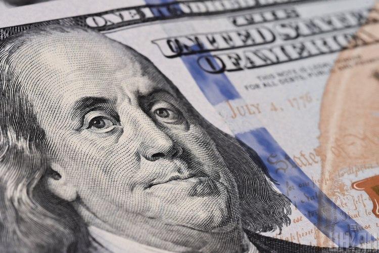 Решение насчет долларов лучше отложить до конца декабря-начала января, посоветовал эксперт - Курс доллара сегодня в Украине
