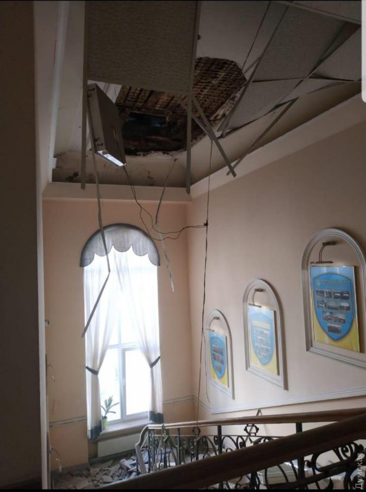 ЧП с потолками: в Киеве и в Одессе произошли жуткие инциденты