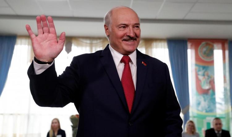 Коронавірус в Білорусі Лукашенко зібрався перемогти з допомогою Бога