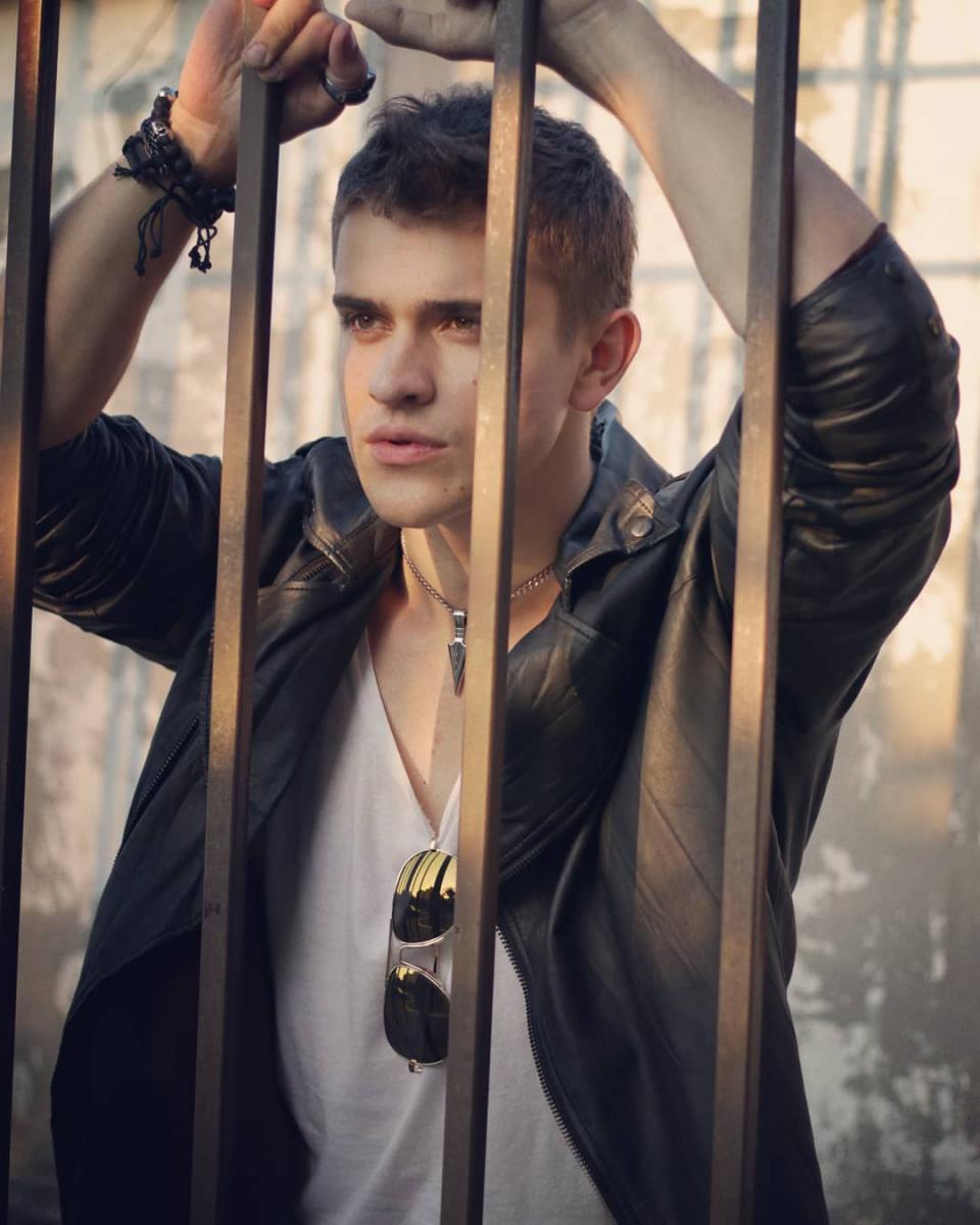 Перші Ластівки актеры: Максим Девизоров