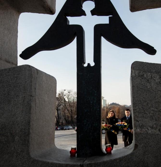 Сегодня Владимир и Елена Зеленские в Киеве почтили память жертв Голодомора