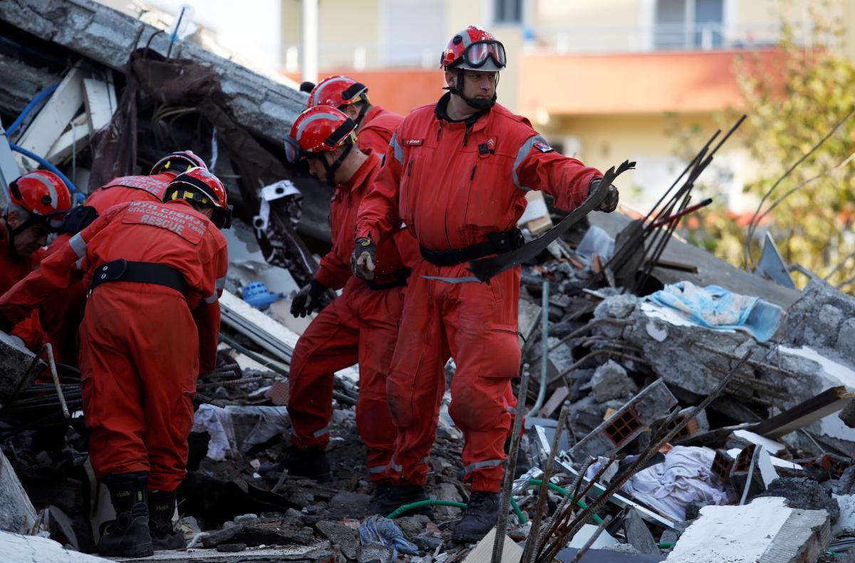 Спасатели землетрясение картинки одноэтажных