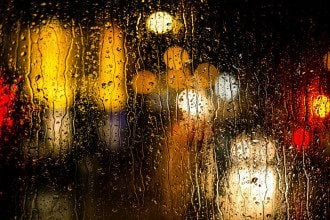 Синоптик Україну накриє зливами і прийде похолодання