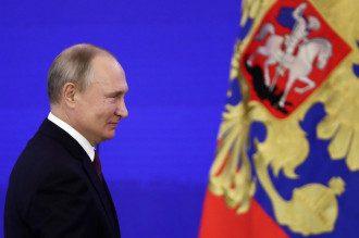 Владимир Путин хочет поставить Владимира Зеленского в позицию просителя и отказать ему, сообщил журналист - Путин и Зеленский