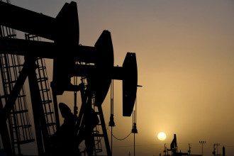 Обвал цен на нефть до 20 долларов за баррель не пошатнет планы России, считает эксперт - Цены на нефть Brent