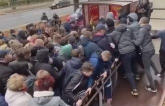 В Ровно штурмовали секонд-хэнд / Скриншот