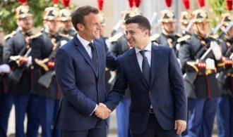 Зеленский поедет во Францию на встречу с Макроном