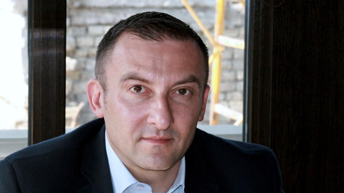 Поавтомобилю Вячеслава Соболева стреляли издома, ноне изавто,— милиция