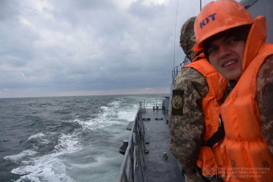 Корвет Прилуки с кораблем НАТО