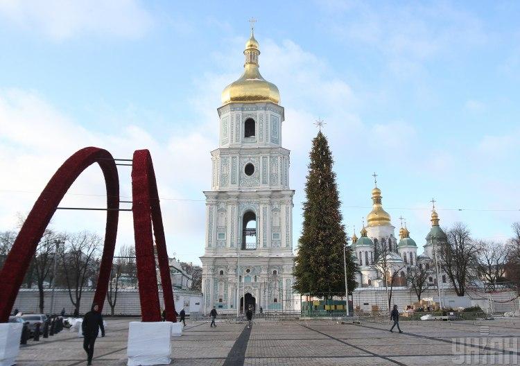 В центре Киева установили елку на Новый год 2020