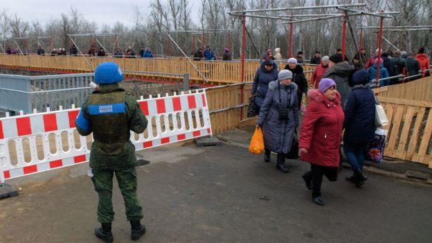 Боевики уже разгуливают по Станице Луганской