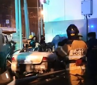 В Москве иномарка наехала на пешеходов, есть жертвы