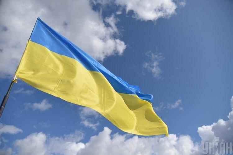Журналист полагает, что благодаря России Украина имеет материал для склеивания государства