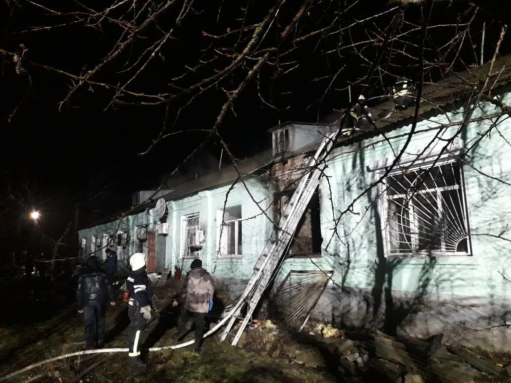В Луганской области во время пожара эвакуировали более 100 человек