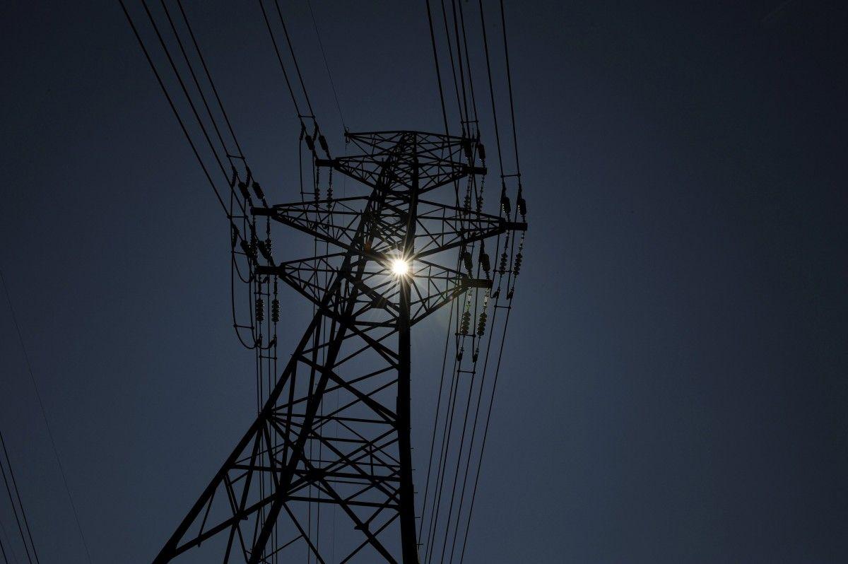 Тарифи на електроенергію в Україні готуються підняти на 20%