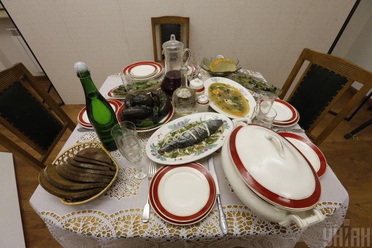 В новогодние праздники стоит попробовать есть осознанно, посоветовала диетолог
